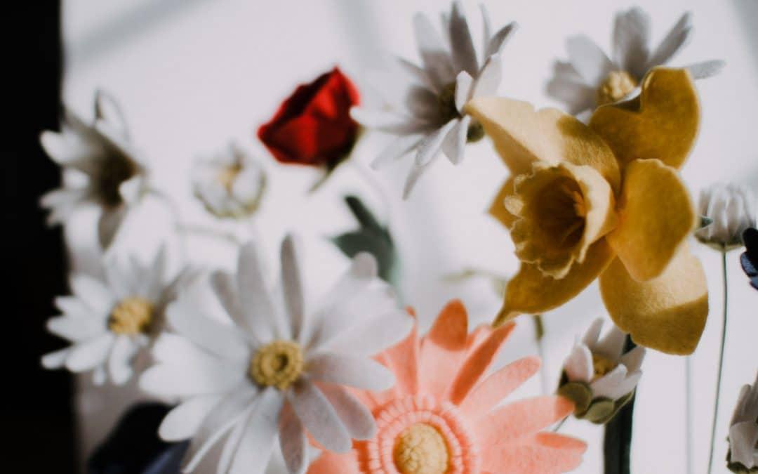 LEARN: how to make a felt flower daffodil | tutorial