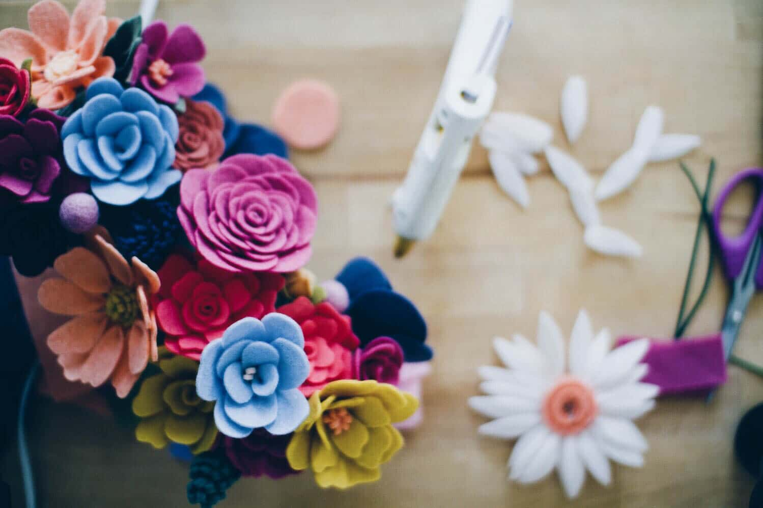 LEARN: How to Make a Felt Flower Step-by-Step